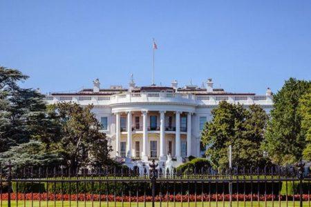 ホワイトハウス内で新型コロナの感染者が34人に、高官のメモで明らかに