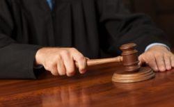 イギリスの裁判所、システムエラーでミッキーマウス、ドナルドダック、白雪姫を召喚する