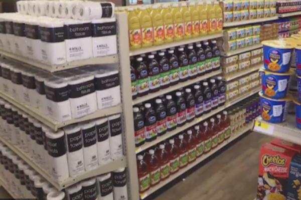高校が生徒向けに食料品店を運営、支払いはお金でなく「善行」【アメリカ】