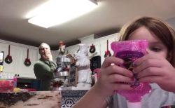 娘が自撮り中パパが後ろでおちゃらけダンス、それは学校に送る動画だった