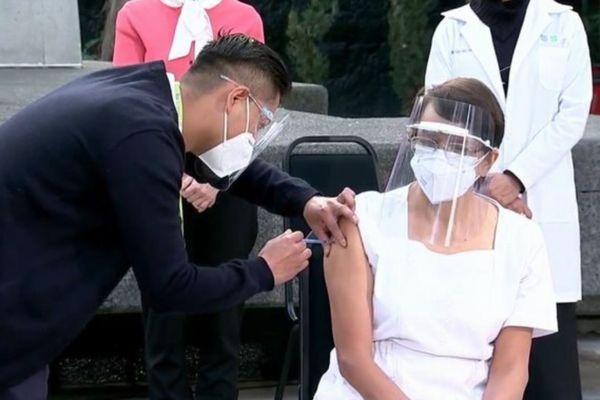 新型コロナワクチン、メキシコやチリなどで医療従事者への接種を開始