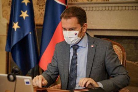 EUサミットで多くが感染?仏大統領に続き、スロバキアの首相も新型コロナ陽性