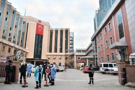 トルコの病院で酸素ボンベが爆発、火災により新型コロナの患者9人が死亡
