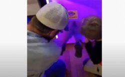 クレーンゲーム機の中に幼児が入ろうと…米で撮影された動画がユニーク