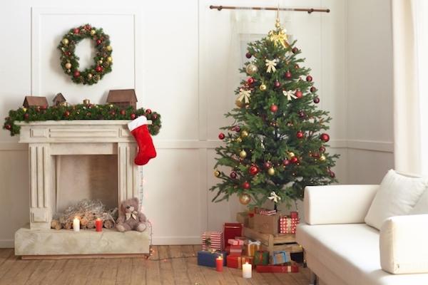 プラ素材のクリスマスツリーをカッコ良く見せるショップのノウハウ、元店員が投稿