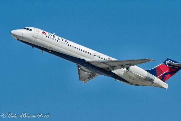 デルタ航空が海外旅行での隔離を必要としない方法を確立、初めてのフライトを実施