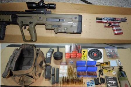 ペロシ下院議長などの暗殺が目的か?大量の銃器を持って連邦議会に向かった男