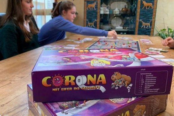ドイツ人姉妹が作った新型コロナのボードゲームが人気、すでに2000個も販売