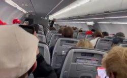 マスクをせずに機内で騒いでいたトランプ支持者、機長が「降ろすぞ!」と脅し、沈黙