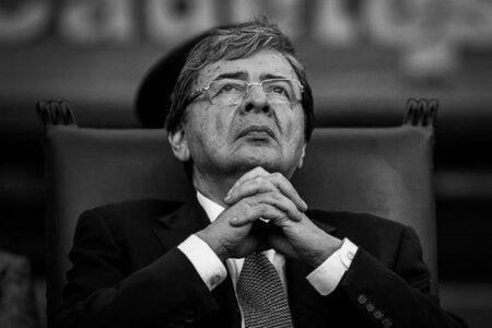 コロンビアの国防大臣が新型コロナに感染、ウイルス性肺炎で死亡
