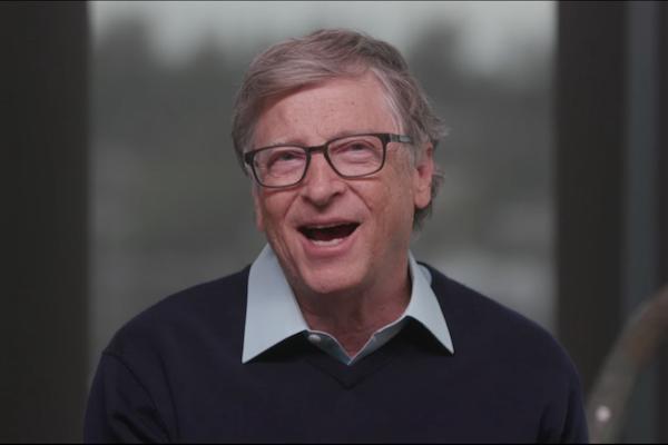 世の中は今年のいつ頃平常に戻るか、ビル・ゲイツ氏の予測