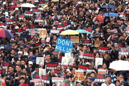 香港で民主活動家50人を逮捕、米・カナダ・英・豪の外相が共同で非難声明