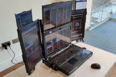 7つの画面が広がるオバケノートパソコンが販売されている