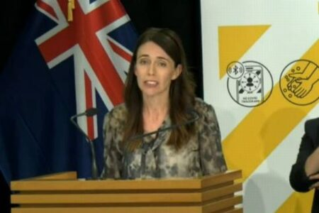 NZの最大都市で7日間のロックダウンへ、1人から由来不明の新型コロナを検出
