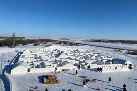 カナダで作られた巨大な雪の迷路、今年は2倍の大きさになりオープン