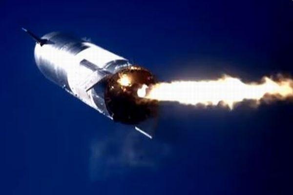スペースXの「スターシップ」が、再び打ち上げ実験で爆発炎上