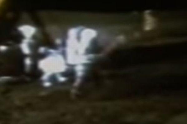 月面で行方不明になっていたゴルフボール、解像度を高めた画像で発見