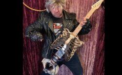フロリダのミュージシャン、死んだ伯父の骸骨でギターを作る