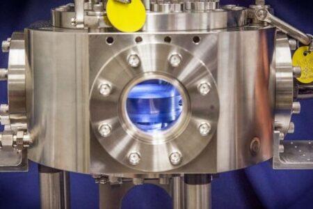 長時間使用できる「リチウム硫黄電池」、イオン電池に置き変わるか?