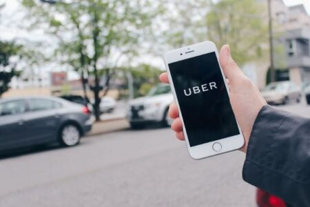 Uberのドライバーは個人事業主ではなく従業員、英の最高裁が判決を下す