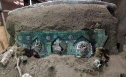 ポンペイの遺跡から、儀式用と見られる4輪の馬車を発見