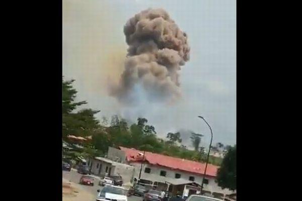 赤道ギニアの軍施設で大規模な爆発事故、17名が死亡、数百人が病院へ【動画】