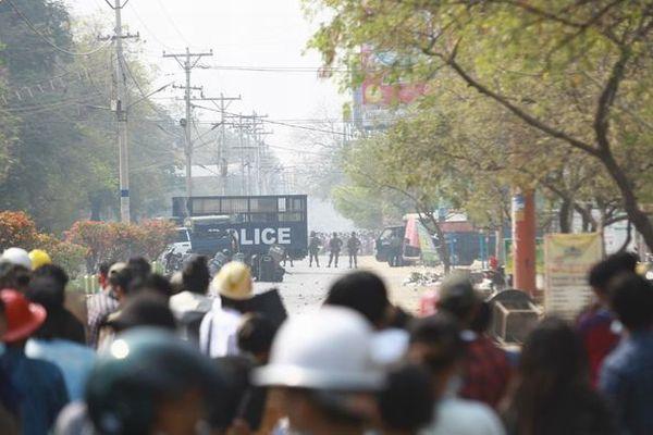 ミャンマーで抗議デモに参加した34人が死亡、今まで最も多い犠牲者