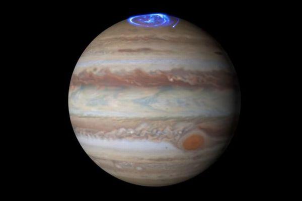木星で発生する美しいオーロラ、探査機「ジュノー」により詳細が明らかに