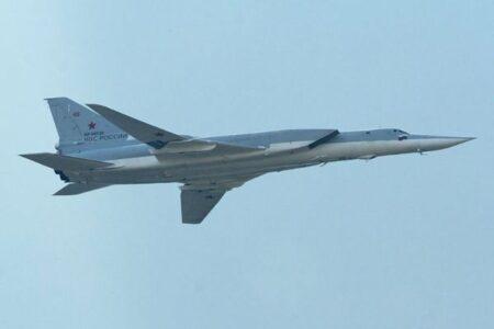 核兵器搭載可能なロシアの爆撃機、パイロットらが脱出装置で射出され死亡