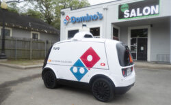 ドミノピザがロボット配達を開始、まずは米テキサス州の一部から