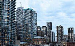 【新型コロナ】カナダで100万人あたりの感染者がアメリカを越える