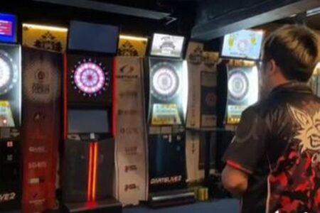 台湾で新型コロナの陽性者が、レストランやバーを利用していたと判明