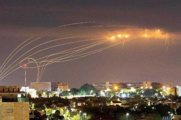 迎撃率90%、イスラエルの防空システム「アイアンドーム」の仕組みとは?