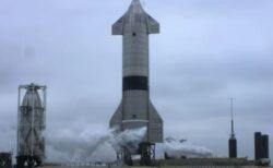 「スターシップ」のプロトタイプ、打ち上げ試験で垂直着陸に成功【動画】