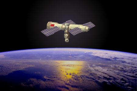 中国が独自の宇宙ステーション建設開始、最初のモジュールを打ち上げ