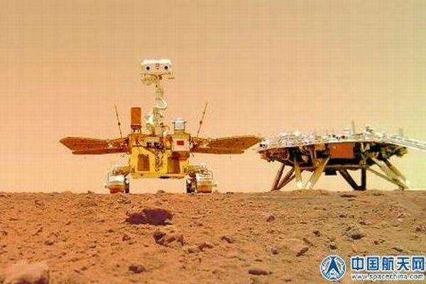 中国の火星探査ローバー「祝融」が撮影した、新たな写真が公開される