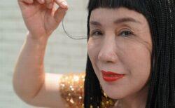 その長さなんと20cm以上!まつ毛が長い中国人女性、ギネス記録を更新