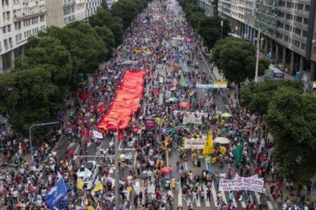 ブラジルで新型コロナの累計死者数が50万人を突破、今後も状況は悪化か