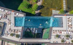 高さ35mに架けられた透明なプール、ロンドンにオープン