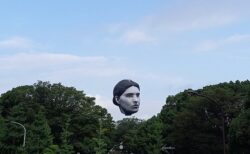 代々木の巨大な顔、海外の反応もやっぱりJunji Ito?
