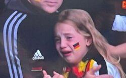 【サッカー】ドイツが負けて涙した少女に支援の輪、ネットでのいじめに対抗