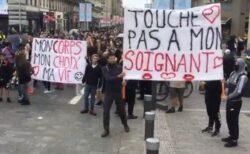 フランスで導入されたワクチン・ルールに反対し、数万人が抗議デモ