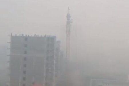 シベリアの山林火災、都市に大量の煙が押し寄せ、住民も屋内に避難
