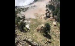 インドの山で大規模な土砂崩れが発生、橋を破壊し、9名が死亡