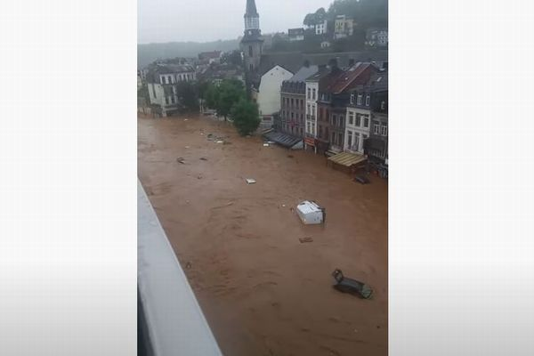 ドイツとベルギーで洪水の被害拡大、70名が死亡、1300人が行方不明か【動画】