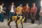 ロボット犬7台がBTSの曲で見事なダンス、本人たちとの交流も【動画】