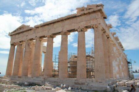 熱波に襲われたギリシャで気温43℃を記録、子供や高齢者に注意が呼びかけられる