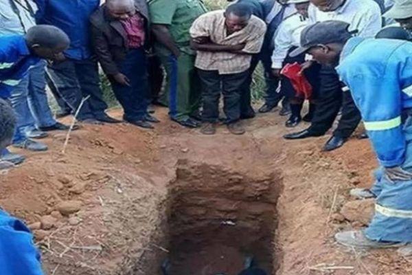「イエスの復活」を再現しようと、生き埋めにされたヒーラーが死亡【ザンビア】