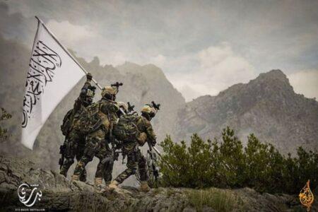 タリバンの特殊部隊「Badri 313」が公開したプロパガンダ、硫黄島の写真にそっくり