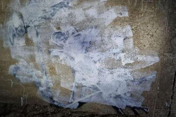 描かれたばかりのバンクシーの作品、何者かが絵を白く塗りつぶす